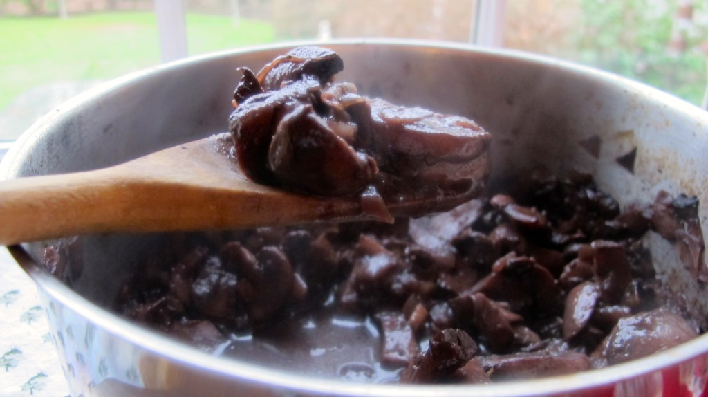 Cooked mushroom in red wine sauce