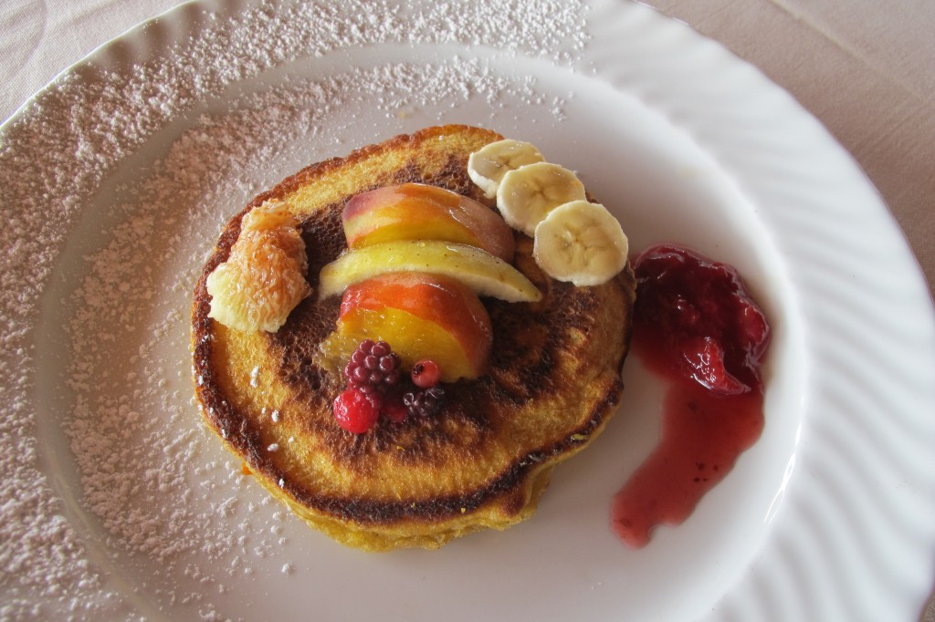 This soon became on my most popular creations because of its artistic look. Bencake with mixture of fruits. I always used what was in season, and on hand. Here we have banana, peach, apple, frutti di bosco, and fig.